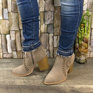 Shoes - ARIDER BOHEMIAN STITCH STYLE ANKLE